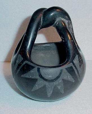 Santa Clara-Black Pueblo Twisted Handle Basket-Primita?