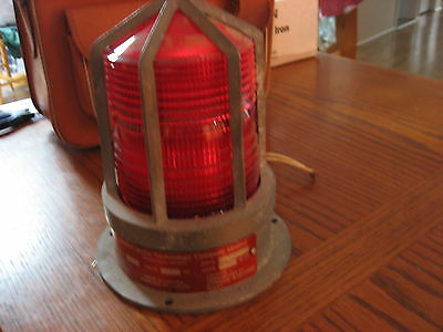 Commercial Base Mounted Strobe Light Water Proof with Hazard Guard