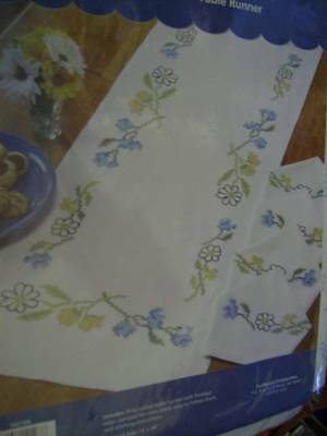 Craftways Goldenrod Table Runner Stamped For Cross Stitch 14x44 Inches & 4 Napki
