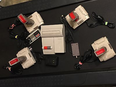 Nes Top Loader System With Hook-ups & Controller + 4 Quickshot Controllers