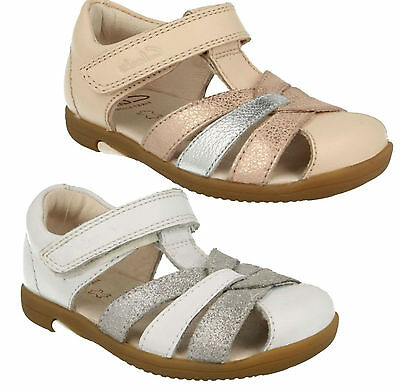 244e6c43e18 Clarks Softly Mae Infants Girls Casual Riptape Strap Sandals Smart Shoes  Size