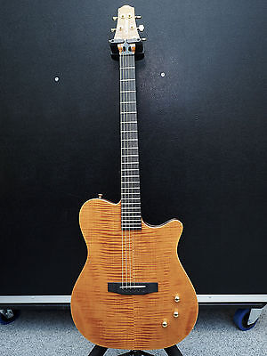 Carvin AC 275