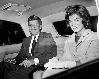 President John F. Kennedy With First Lady Jacqueline - 8X10 Photo (Bb-846)