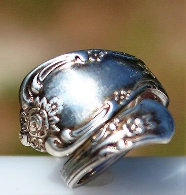 Size 5.5 Rogers Oneida ornate silver plated 3.2g   RING