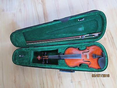 Used Violin with bow, Great condition