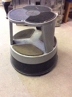 VINTAGE KIK STEP STOOL ON CASTERS SHOP PROP DISPLAY DIY Ti1478