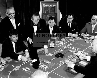 Frank Sinatra Deals Baccarat At The Sands Casino In 1959 - 8X10 Photo (Bb-910)