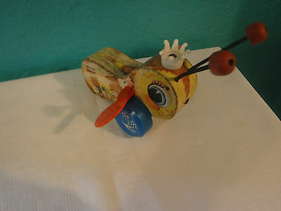 FISHER PRICE Queen Buzzy Bee PULL TOY.  444