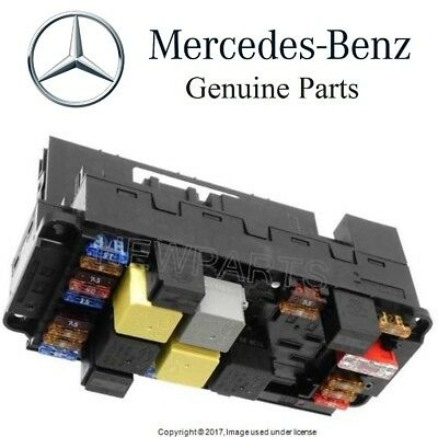 Mercedes R171 SAM Control Unit Signal Acquisition & Front Fuse & Relay Module OE