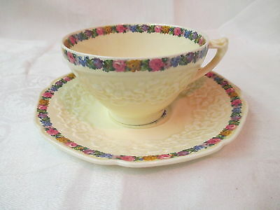 Vintage England Crown Ducal 5 flat Cups 6 Saucers Gainsborough Charm RdNo749657