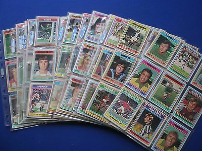 Topps - Footballers 1976/77 - Bubblegum Cards * Choose The One's You Need *