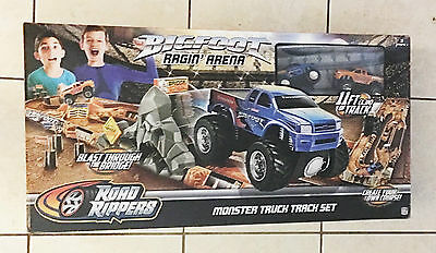 Road Rippers Bigfoot Ragin Arena Track Set Monster Truck Ages 3+ New Toy Boys