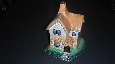 Beswick Ware Thatched Cottage Lidded Cottageware Pot
