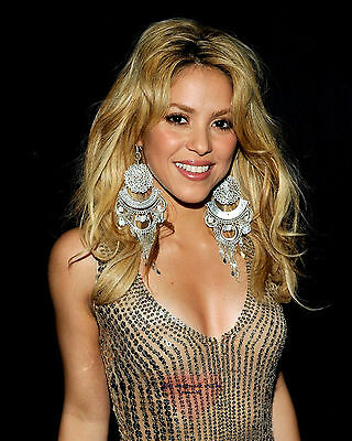 Shakira, 8X10 glossy & Other Size & Paper Type  PHOTO PICTURE s5