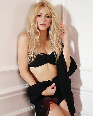 Shakira, 8X10 glossy & Other Paper Type  PHOTO PICTURE s10