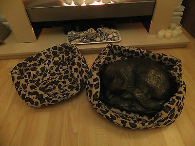 LEOPARD PRINT BED 2 x SIZES  FOR CATS OR SMALL DOGS  CBE 05