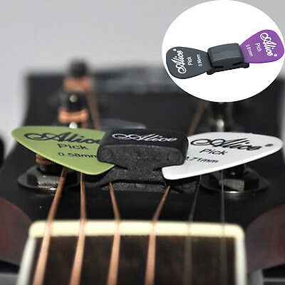 WEDGIE Guitar Headstock Pick Plectrum Rubber Holder Clip Case 2 FREE Pick UK