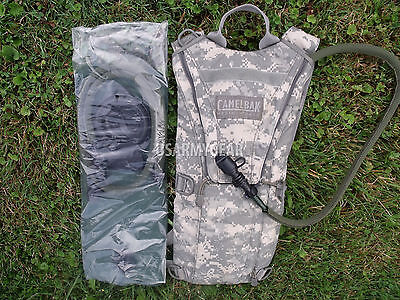 ACU MOLLE Military Army Camelbak Hydration System / Bladder / Carrier ThermoBak