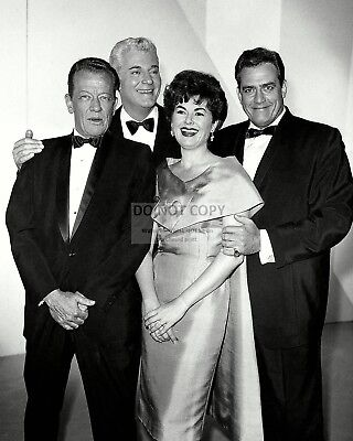 """""""perry Mason"""" The Cast Of The Television Series - 8X10 Publicity Photo (Nn-140)"""