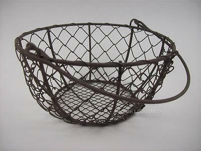 "Country Primitive Farmhouse Style Round Chicken Wire Basket with Handle 6"" Round"