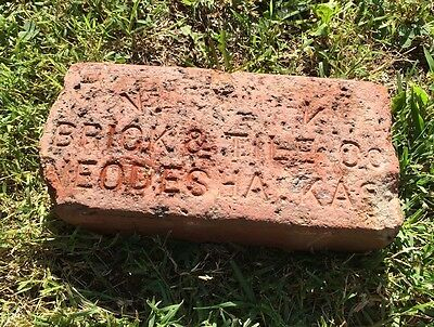 antique street paver Neodesha Ks Kansas VVV Brick & Tile Co Sidewalk Road Red