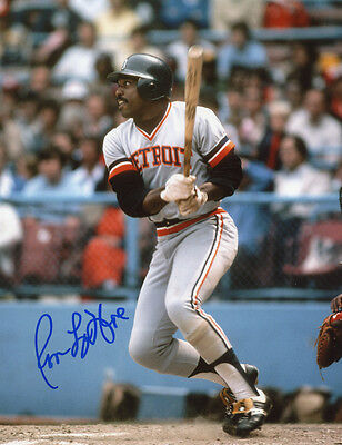 Tigers  Ron LeFlore signed 8x10 pose 8 with w/COA