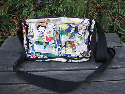 Betty Boop Purse Cross Body Hula Skirt Vacation Golf Magnetic & Zipper Closures