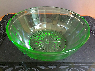 "Hazel Atlas Colonial Block Green Vaseline Uranium Glass 7"" Bowl"