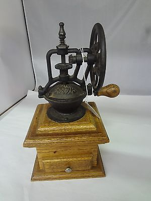 Vintage Ornamental Coffee Grinder Collectible Displayable Exc Cond  M-73