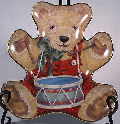 Little Drummer Bear porcelain plate by Sarah Rengry