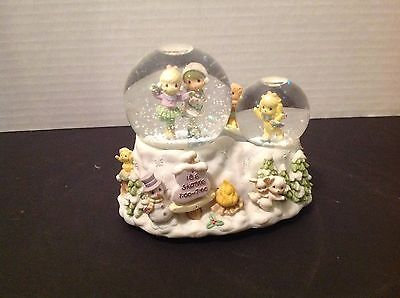 "Vintage 1999 Precious Moments ""Skater's Waltz"" Collectible Ice skating Snow Glob"