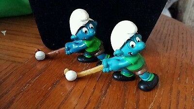 2 Field Hockey Vintage SMURF TOY SCHTROUMPF Action Figures 1980 & 1981