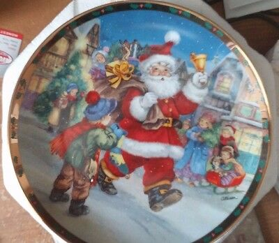 Danbury Mint Collectible Plate RINGING IN THE HOLIDAY  'Tis the Season Santa LE