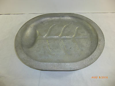 Vintage Century Silver Seal Aluminum Meat Dish Serving Tray