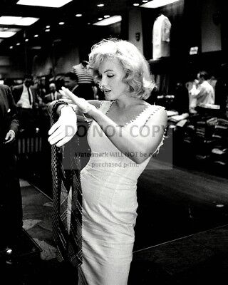 Marilyn Monroe Iconic Sex-Symbol And Actress - 8X10 Publicity Photo (Zz-649)