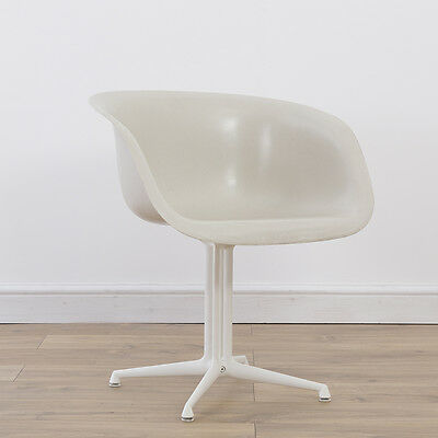 1 x Herman Miller Vintage Authentic Eames La Fonda Fiberglass Arm Chair - White