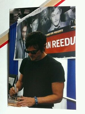 Walking Dead Daryl Norman Signing Figure Comic Con Photograph Photo Picture