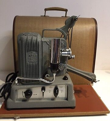 Vintage Nizo Lucia Model II 8mm Movie Film Projector Germany with Hard Case