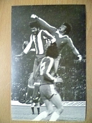 Press Photo-1981 WC Qualifying CHILE v PARAGUAY; Players in Action to Goal
