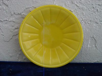 Akro Agate Large Stacked Disc and Interior Panel Plate  Opaque Yellow