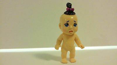 Miniature Dollhouse Baby Doll Plastic Standing Black Tuft Hair Pink Bow 2009
