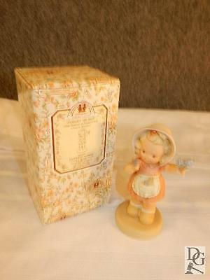 Forget Me Not 1996 Memories Of Yesterday Figurine In Box