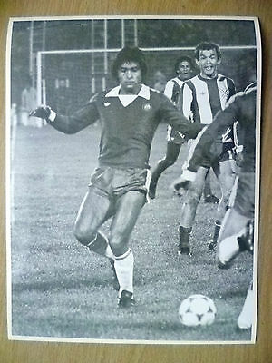 100% Press Photo- CHILE'S Players Oscar Herrera in Action