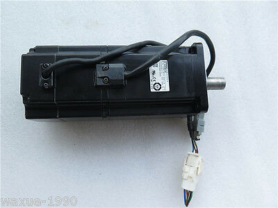 1pcs Used Omron servo motor R88M-W75030T-B tested