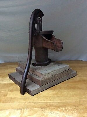 Antique Cast Iron Cistern Hand Water Pump Yard Garden Art with Walnut Wood Base