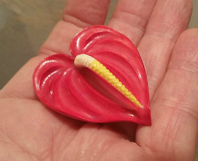 MING'S vtg Hawaiian hula girl jewelry red anthurium flower mings art brooch pin