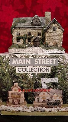 Dept 56 MAIN STREET COLLECTION COTTAGE, Similar to Dickens Christmas Village NIB