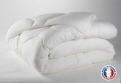 COUETTE BLANCHE DOUBLE FACE 220 X 240 MADE IN FRANCE 450 g/m2 NEUF