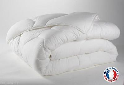 COUETTE HIVER BLANCHE DOUBLE FACE 220 X 240 MADE IN FRANCE 550 g/m2 NEUF
