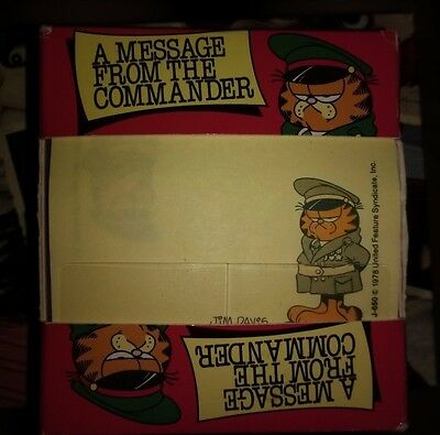 VINTAGE 1978 Garfield Post-it Notes A Message From the Commander Dispenser RARE